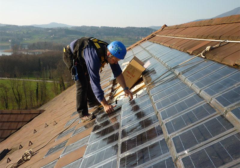 nuevas tejas solares vienen con garant a infinita energ a en chile. Black Bedroom Furniture Sets. Home Design Ideas